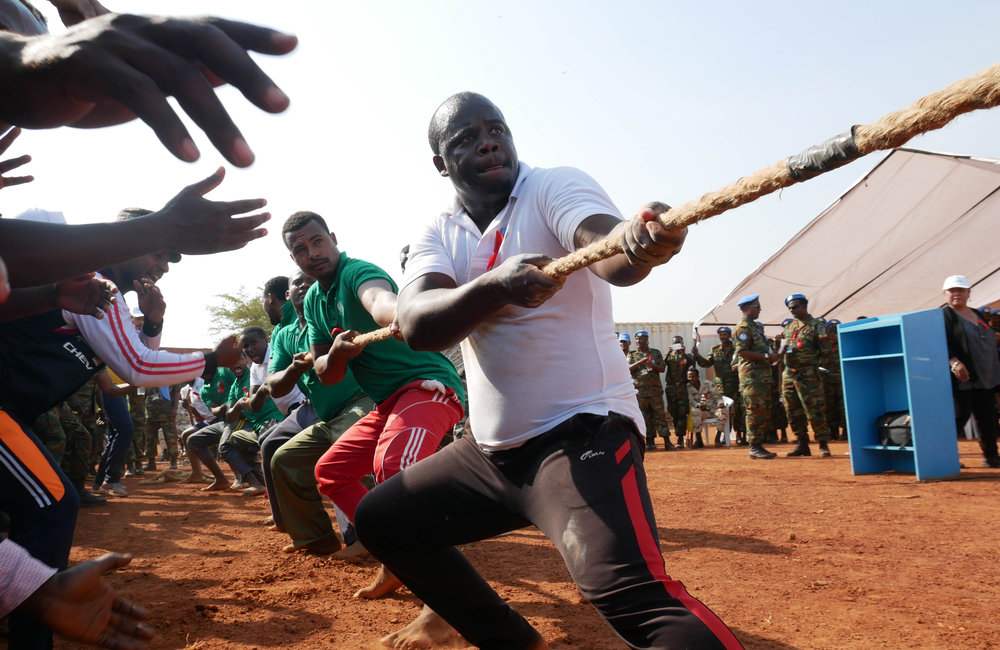 Taking into consideration the diverse background of UNISFA staff, WAD 2016 was commemorated through various sports, a platform to disseminate information and reach-out to staff. Hundreds of staff joined sporting events such as volleyball, badminton, billiards, table tennis, tug of peace and mini-marathon.