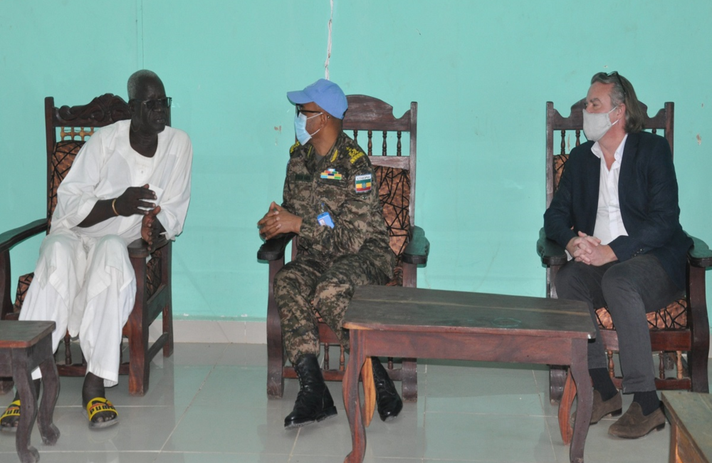 Acting Head of Mission and Force Commander, Maj. General Kefyalew Amde Tessema 19 November, led a delegation of UNISFA senior officials to condole with Paramount Chief for Ngok Dinka, Bulabek Deng Kuol and his family, following the untimely death of his mother.